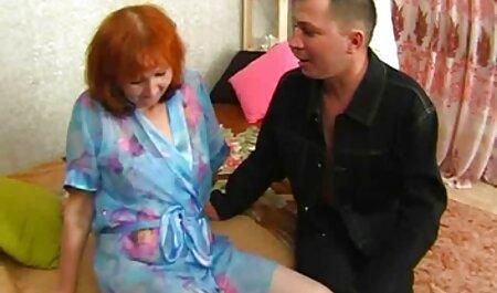 Die blonde Bomshell Kathy füllt ihre Muschi mit einem massiven Dildo kostenlose deutsche sex videos