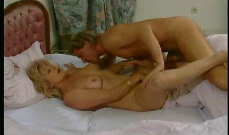 Schöne AngelaC Rystal kostenlose sexvideos inzest am Pool