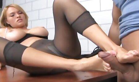 Tätowierte MILF Anna Nova Sexy Interview deutschsprachige pornos kostenlos