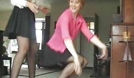 Big youtube kostenlose sexfilme Tits Russian Mom bringt dem Jungen alles bei