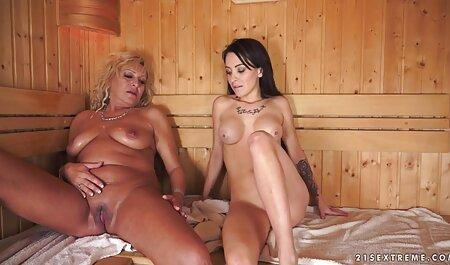 Die sexy Brünette bückte sich, rieb sich den Kitzler kostenlose pornofilme deutsche und ließ sich anal bohren