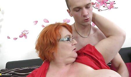 Slutty heiße blonde Fäuste und Spielzeug vor der kostenlos deutsche amateur pornos Webcam
